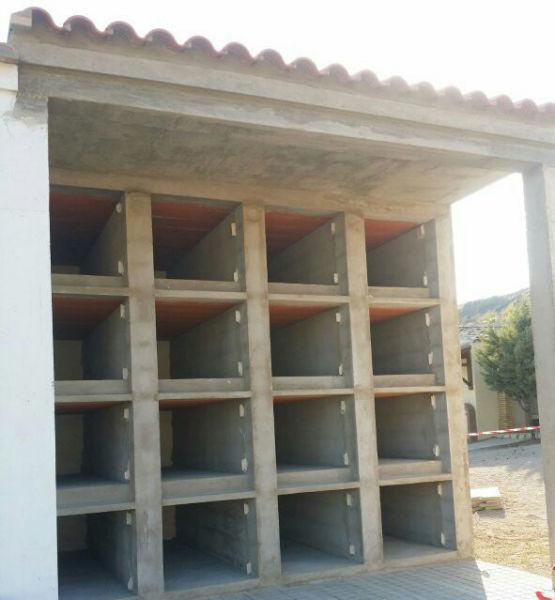 Construcción de nichos para Linzola